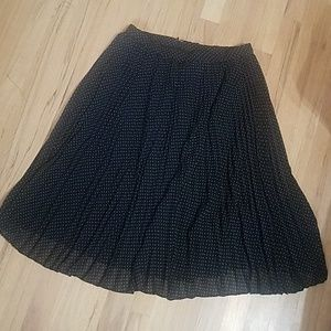 Talbot pleated midi skirt size 6 black & gray